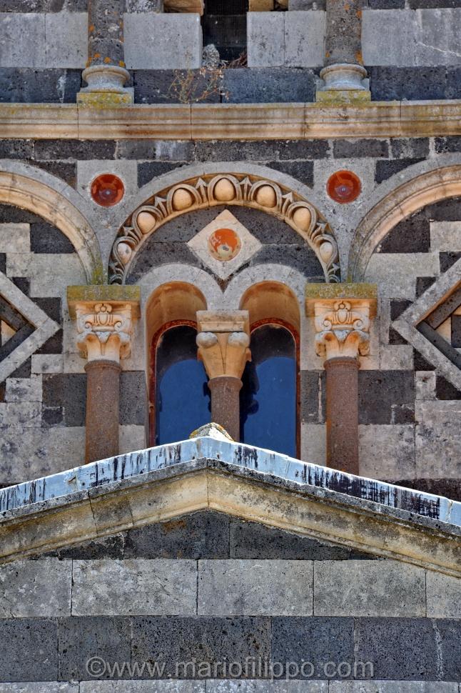 Basilcica della Santissima Trinita' di Saccargia XII sec Romanico