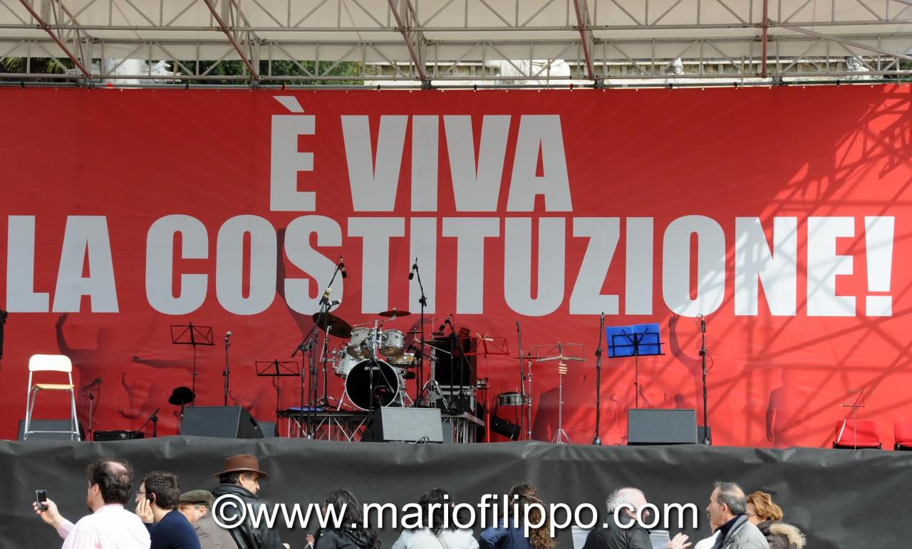 LA COSTITUZIONE E' VIVA!  ROMA 12 MARZO 2011