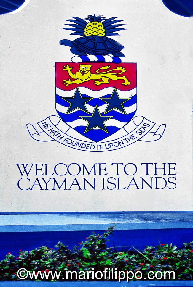 CAYMAN ISLANDS E TOUR SOTTOMARINO
