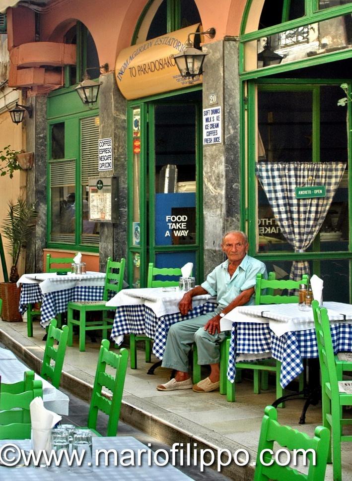 Atene-Aggiungi  un posto a tavola ...